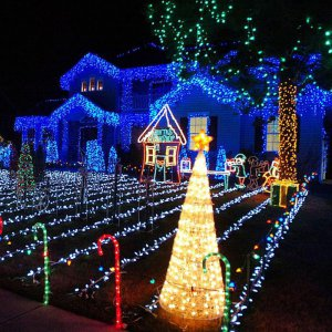 Outdoor Xmas Decorations Light Show With Programmable LED Strips